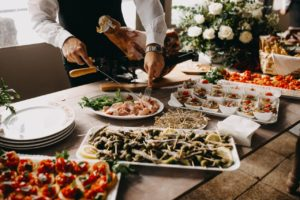 appetizers-chef-dining-2814828